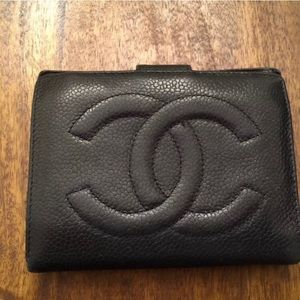 Chanel Caviar Wallet bifold w coin compartment